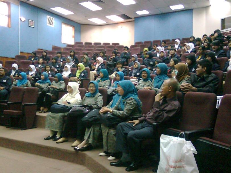 Listening presentation in Malaya University