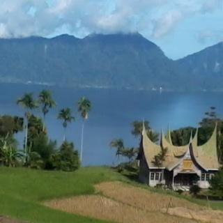 kelok 33 tasik maninjau Padang Indah Tours